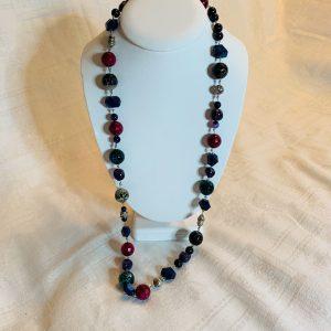 Halsband multistone av: silver,agat, anethyst,blå tiger öga ,lapis lazuli, jade och sandsten