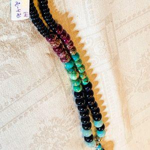 Halsband av agater, sandsten små silverpärlor
